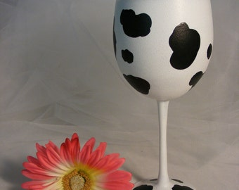 cow print wine glass - large oversize 18 oz glass, can be personalized
