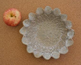 Misty beige ceramic salad bowl - Pottery tapas dish - Trinket bowls with vintage lace pattern -  handbuilt stoneware dish