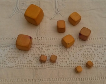 Set of 10 wooden cubes beads / yellow