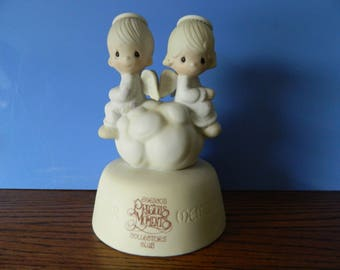 """Precious Moments Collector's Club Two Angels On a Cloud """" ...But Love Goes On Forever"""" (C)"""
