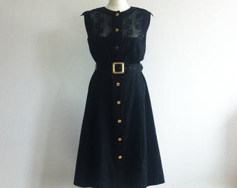 1980 coton black dress sleeveless with lace upper part