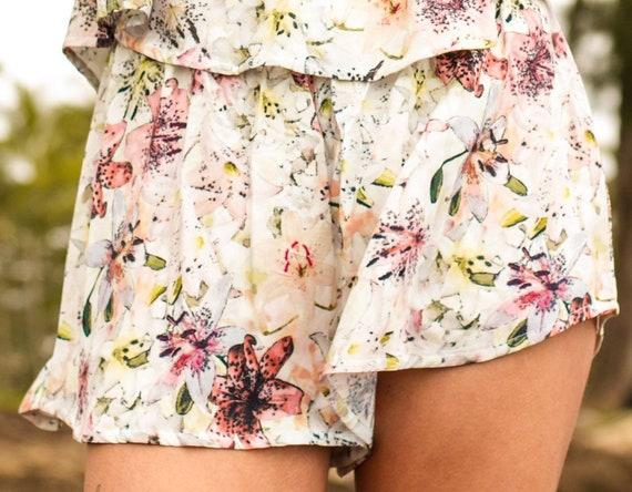Shari High Waist Shorts / Exclusive Tiger Lily Print