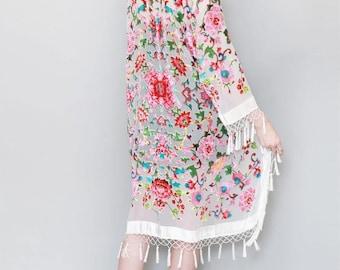 Vintage Style White Floral Flocked Silk Velvet Tassel Kimono