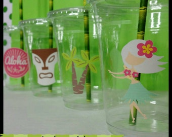 12 Luau/Hawaiian Themed Party Cups with Lids and Bamboo Striped Straws, Luau Party Cups