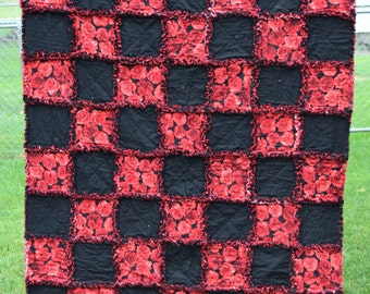 Beautiful Red Floral and Black Rag Quilt