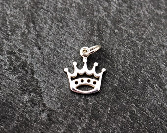 Crown Charm, Sterling Silver, Tiny Crown, Small Crown Pendant, Princess Charm, Princess Pendant, Tiny Pendant, Charm Bracelet, 925