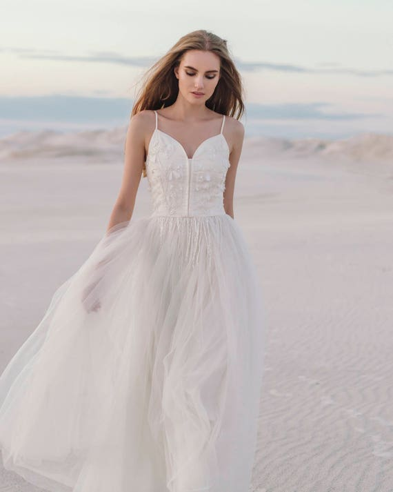 Elfenbein Hochzeitskleid Hand bestickt Brautkleid