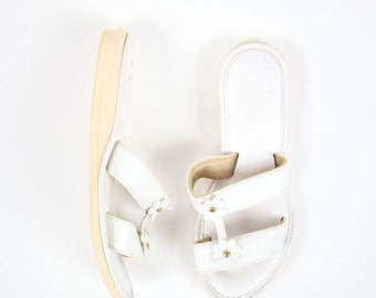 NOS Sz 7 White Vegan Leather Daisy 1960's Sandals