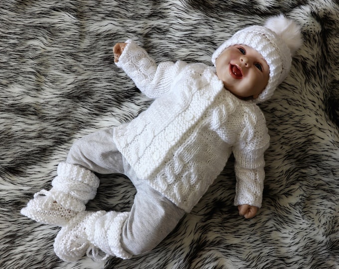 White Baby  coming home outfit - Knitted baby clothes - Baby knitwear - Knitted baby set - Gender neutral baby outfit - Hand knitted outfit