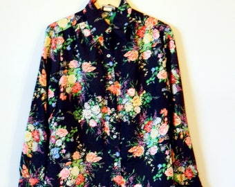 Vintage Black Floral Blouse / Floral Button Down Shirt / Bold Floral Bouquet Shirt