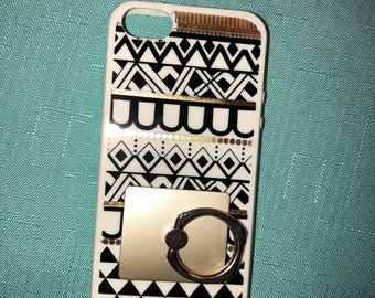 gold and white iphone 5 case (comes with a ring)