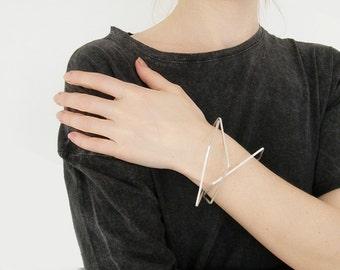 Edgy bangle bracelet set, modern silver bracelet, line bracelet, minimalist bangles, hipster jewelry, minimalist jewelry.