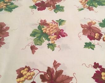 Vintage Wilendur Grapes Tablecloth