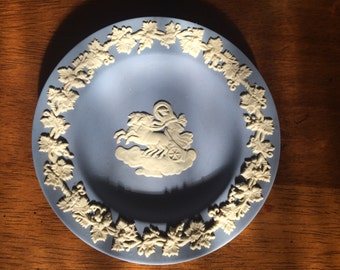 Vintage Wedgewood Jasperware Aurora Chariot of Dawn Pin Dish