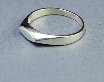 925 Sterling silver narrow flat edged ring