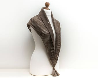Triangle scarf Hand knit shawl Alpaca wool blend in brown Gift for her Mother gift knit Luxury scarf Perfect for spring