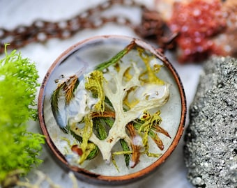 Moss necklace, resin pendant, botanical jewelry, terrarium necklace, nature inspired, boho jewelry, gifts for her