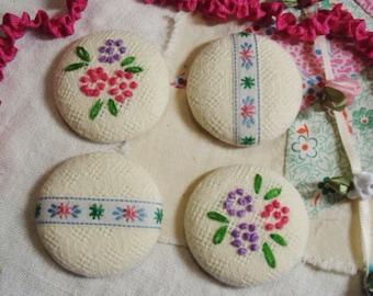 """4 Magnets Vintage Embroidered Flowers Tea Towel & Ribbon 1 1/2"""" Covered Button Magnet Set - Vintage Linen"""
