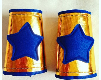Superhero costume accessory, Power Bands, Gold Star Cuffs, Superhero Accessory, Wrist Bands. Gold Cuffs with Felt Star. Choose colour + size