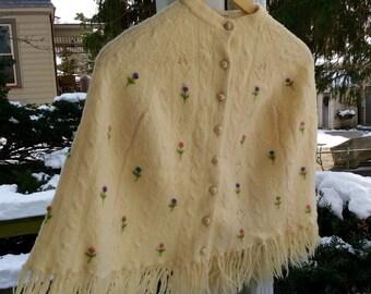 Vintage/Girls knit poncho.