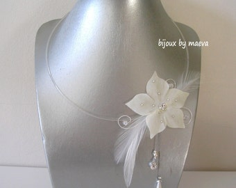 Wedding jewelry feather flower necklace bridal ivory silk, feathers and beads