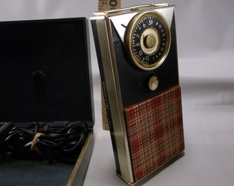 Transistor Radio1960s General Electric Model 766 Transistor Pocket Radio & Model P- 715- C Charger Kit Untested .epsteam