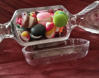 Bind candies in a candy