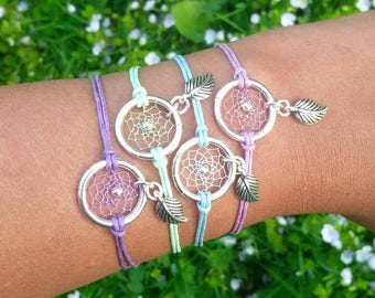 Dreamcatcher Spring bracelet in pastel colors with leaf charm in bohostyle