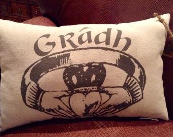 Valentines Day / Irish Claddagh Ring / Gradh  Pillow