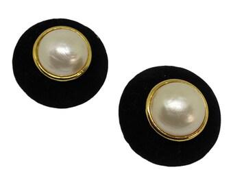 Chanel Velvet Faux Pearl Earrings Black Vintage Gold Plated Velvet Pearl Clip-on Earrings Chanel Jewelry Statement Jewelry Designer Jewelry