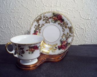 Vintage cup and saucer Royal Sealy China roses with gold gilt filigree EUC
