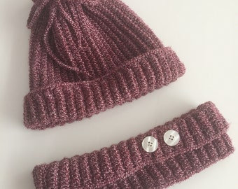 Knitted hat and collar