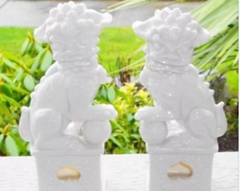 Vintage Pair White Foo Dogs, White Procelain Foo Dogs, Guardian Shi Lion, Chinoiserie Ceramic Fu Dogs, Foo Dog Statue