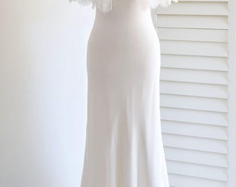 Lace bridal cape Off white vintage wedding cape Bride cover up Bridal lace topper Wedding capelet Bridal separates top Wedding dress cover