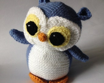 Crocheted animal Peter Owl