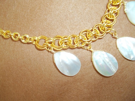 SALE - S - 186 GP, chainmaille necklace with shell pearl drops