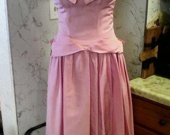 Beautiful Late 40s Palest Lilac Sheer Pleated Bodice and Bow Bustle Evening Gown - S/M