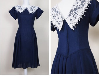 Vintage 1970s 1980s Dress / Midnight Blue / Tea Dress / Prairie Dress / Floral Lace Collar