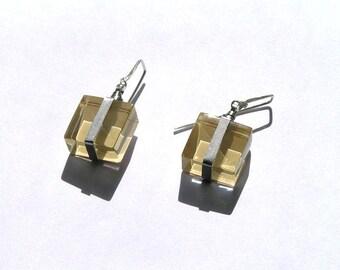Minimalistic glass cube earrings