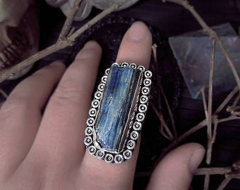 Kyanite Silver Ring, Queen Size Ring, Raw Crystal Ring, Chunky Ring, Witch Ring, Size 17mm