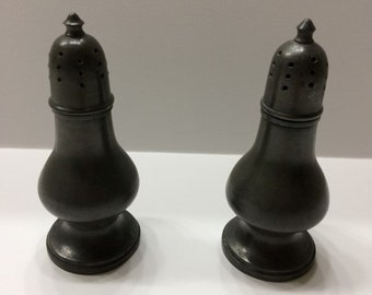 Vintage Pewter Salt and Pepper shakers, Pewter By Poole Tanutown Mass