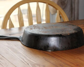 Griswold #8 Cast Iron Pan