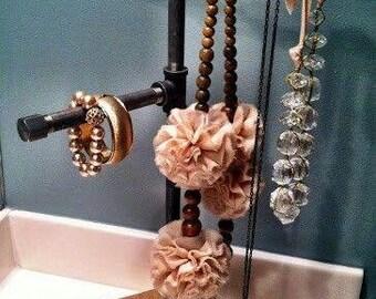 Duty Jewelry Hanger