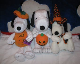 SNOOPY Celebrates HALLOWEEN!! Get all 3 Plush Toy stuffed animals!! Put out by Hallmark