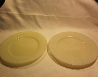 "Set of 2 vintage McKee custard 9"" dinner plates"