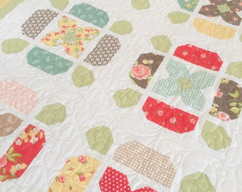 DIGITAL Pattern: Flower Tile (Charm Pack Quilt)