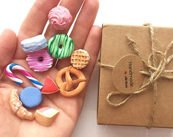 Mini-set of 11 miniatures sweets
