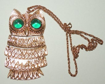 Large Articulated Green Eye Gold Tone Owl Pendant and Chain