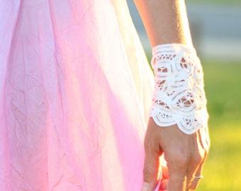 Wrist cuff, Crochet bracelet, Lace bracelet, Wedding jewelry Bridal jewelry Victorian jewelry Bohemian jewelry Wedding accessories, Gypsy