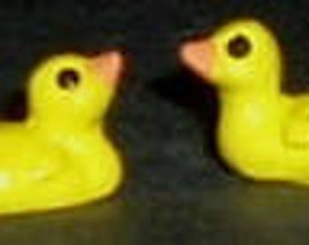 YELLOW DUCKS (2)